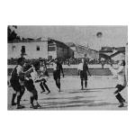 O futebolista há 100 anos…