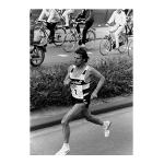 Carlos Lopes bate recorde mundial da Maratona